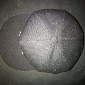 кепка с прямым козырьком