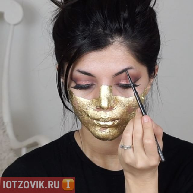 маска из сусального золота
