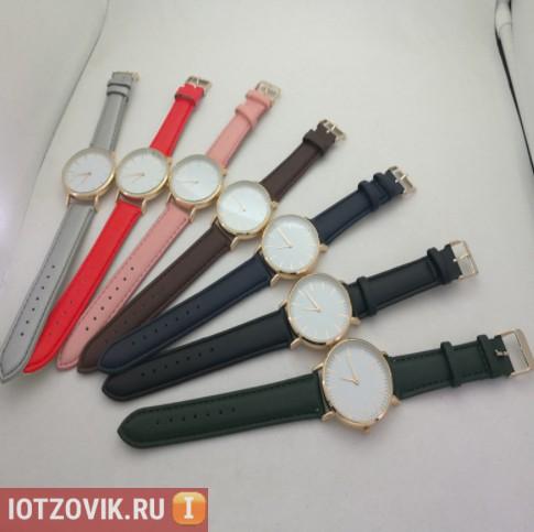 часы с разноцветными ремешками