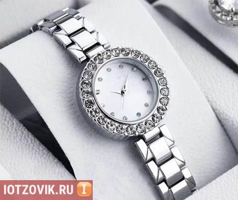 Часы от Dior Silver
